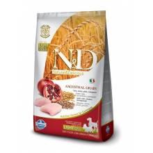 Farmina N&D Low Grain Dog Chicken&Pomegranate light Mini&Medium сухой корм для взрослых собак с курицей и гранатом, склонных к лишнему весу 2,5 кг